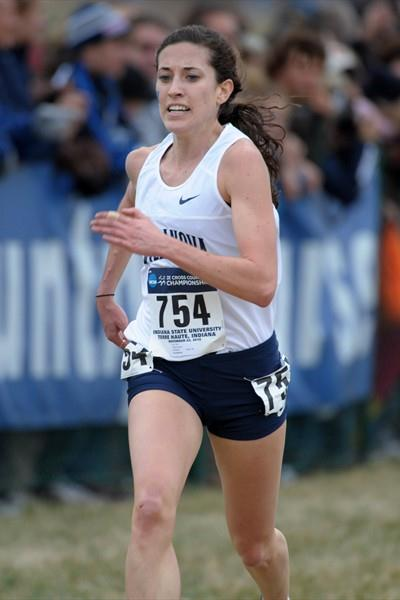 Canadian Sheila Reid pulls away to win the 2010 NCAA Cross Country title (Kirby Lee)