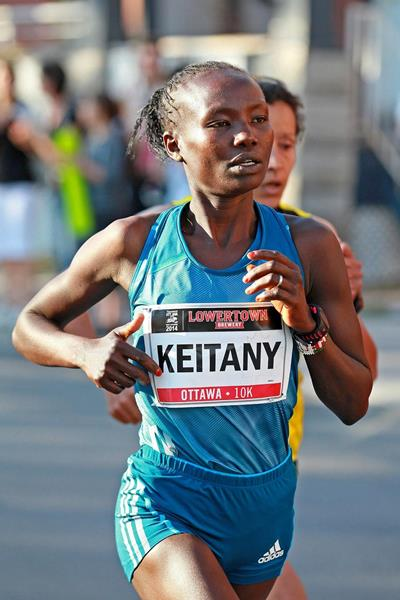 Mary Keitany wins at the 2014 Ottawa 10k (organisers / Victah Sailor)