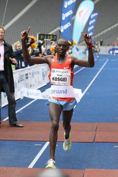 1:11:50 World record in the 25Km by Sammy Kosgei in Berlin (Victah Sailer/photorun.net)