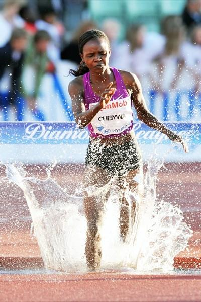 Milcah Chemos Cheiywa running in the 2010 Oslo Diamond League (Mark Shearman)