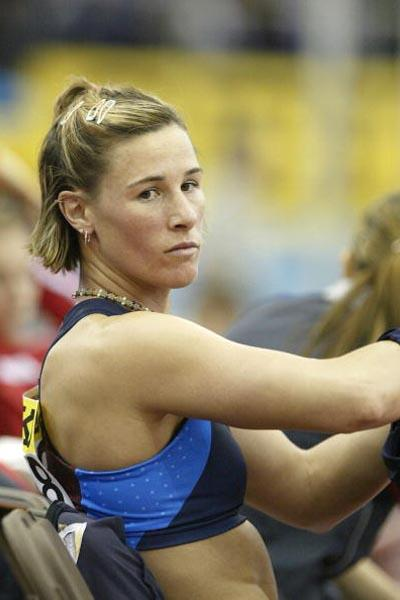 A dejected Stacy Dragila after failing to qualify for the women's pole vault final (Getty Images)