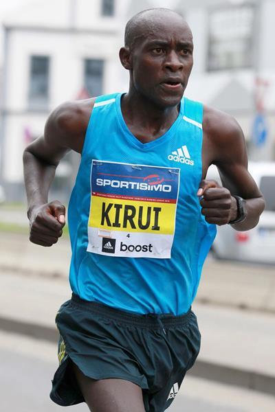 Peter Kirui leading the Sportisimo Prague Half Marathon (VIctah Sailer for Sportisimo Prague Half Marathon)