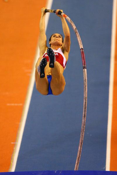 Doing what she does best: Yelena Isinbayeva winning the women's pole vault (Getty Images)
