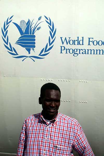 World Marathon record holder Tergat on a mission in Sudan (WFP)