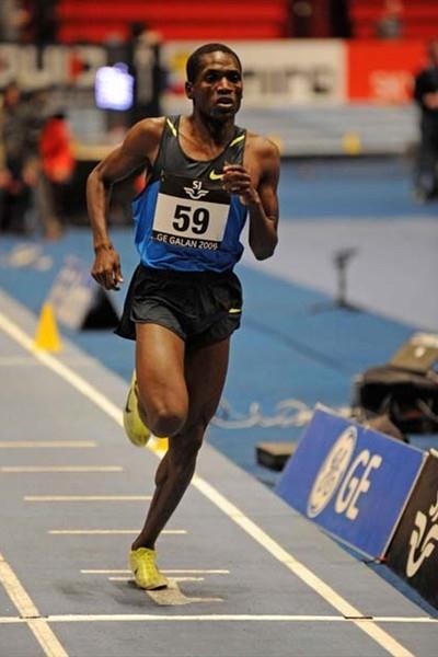 Paul Kipsiele Koech running in the 2009 GE Galan (Hasse Sjogren)