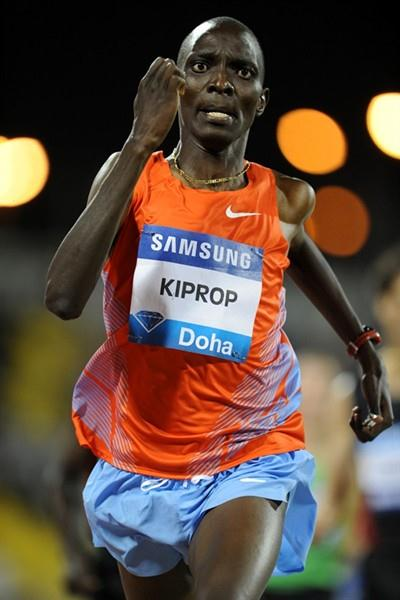 Asbel Kiprop cruises to a comfortable 1:44.74 win in Doha (Jiro Mochizuki)