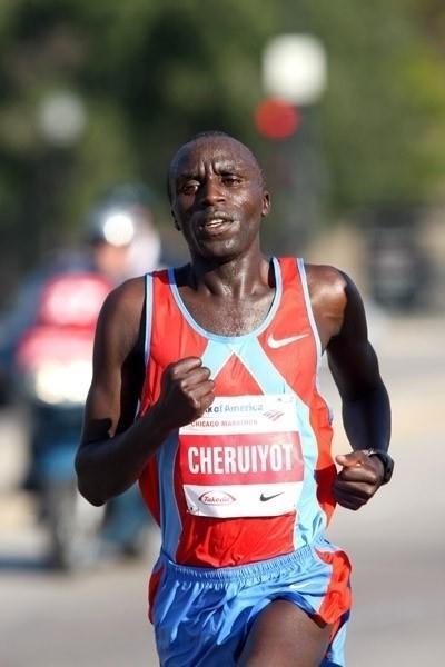 Evans Cheruiyot en route to his win in Chicago (Victah Sailer)