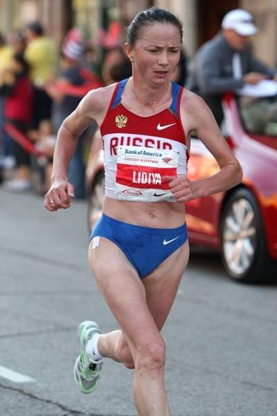 Lidiya Grigoryeva en route to victory at the Chicago Marathon (Victah Sailer)