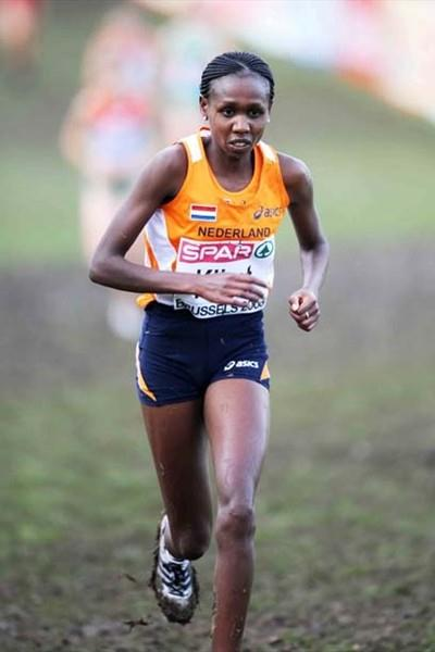 Hilda Kibet (NED) wins the 2008 European XC women's race (Mark Shearman)