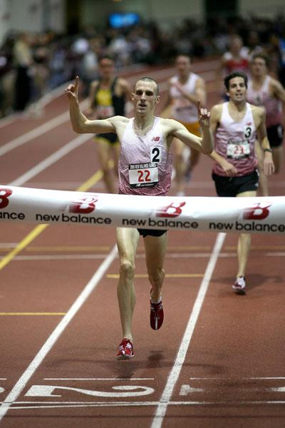 Andy Baddeley at the 2008 New Balance Games in New York (Victah Sailer)