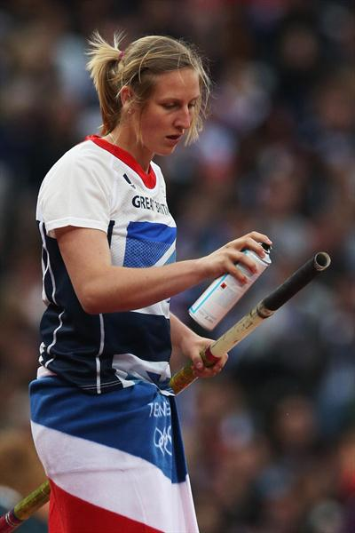 Holly Bleasdale of Great Britain sprays her pole before a vault in the Women's Pole Vault final on Day 10 of the London 2012 Olympic Games at the Olympic Stadium on 6 August 2012 (Getty Images)