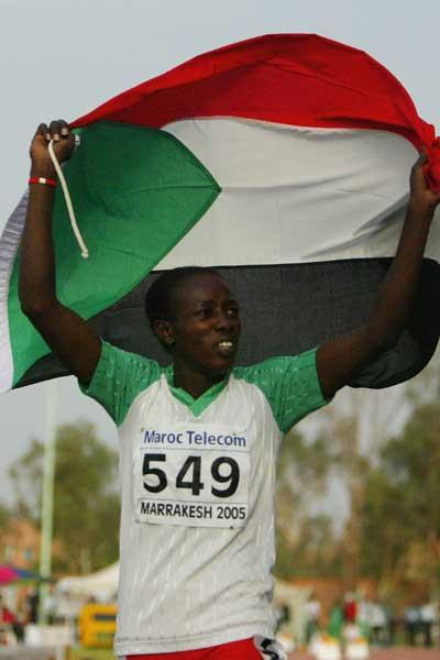 Nawal El Jack of Sudan wins the Girls' 400m final at the World Youth Championships (Getty Images)