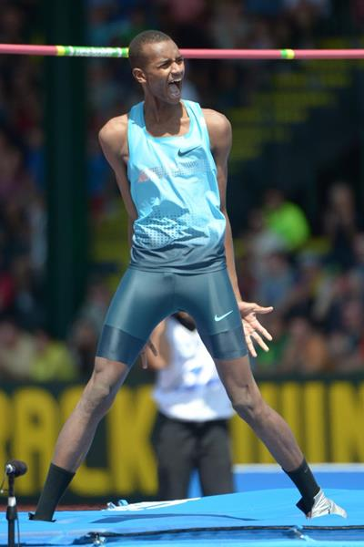 Mutaz Essa Barshim at the 2013 IAAF Diamond League meeting in Eugene (Kirby Lee)