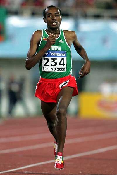 Tariku Bekele (ETH) comes home to 5000m gold (Getty Images)