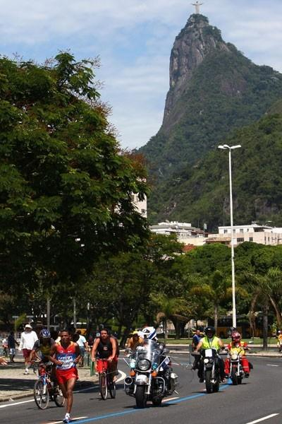 Zersenay Tadese runs past the Corcovado in Rio (Getty Images)
