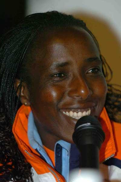 Lornah Kiplagat (NED) at press conference - Tilburg (Hasse Sjögren)