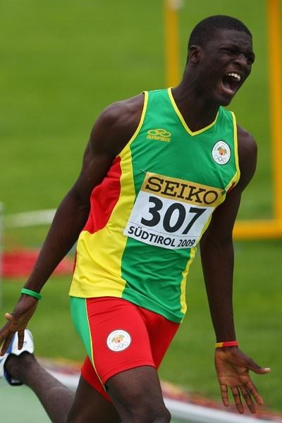 Kirani James of Grenada wins the Boys' 200m final (Getty Images)