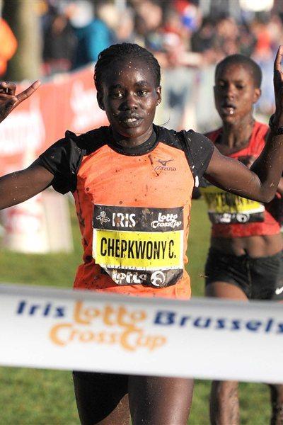 Caroline Chepkwony from Kenya wins in Brussels (Nadia Verhoft)