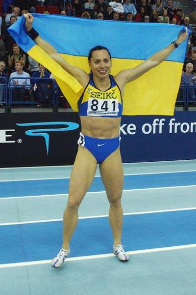 Zhanna Block (UKR) celebrates winning the women's 60m final (Getty Images)