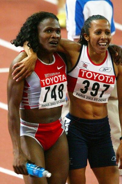 Training partners Maria Mutola and Kelly Holmes celebrate winning gold and silver (Getty Images)