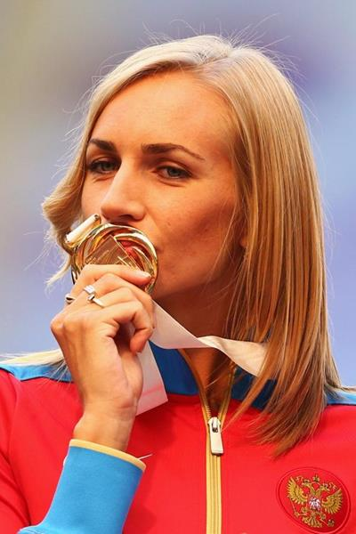 Svetlana Shkolina with her High Jump gold medal at the 2013 IAAF World Athletics Championships in Moscow (Getty Images)