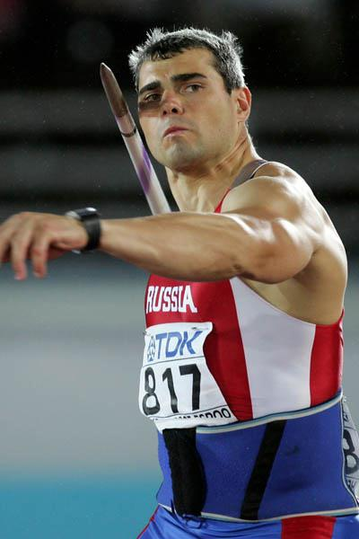 Sergey Makarov of Russia takes bronze in the Javelin Throw (Getty Images)