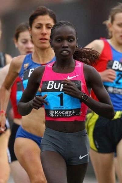 Vivian Cheruiyot running in the 2009 BUPA Great Manchester Run (10km) (Getty Images)