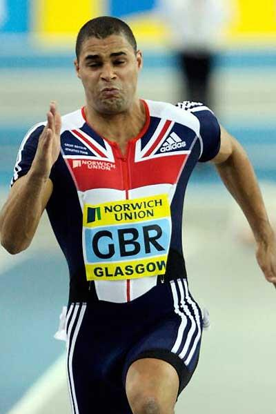 Jason Gardener flying in the 60m in Glasgow (Getty Images)