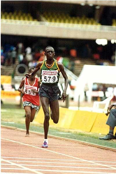 Selina Kosgei sprints home in 2003 Kenyan Champs 10,000m (Omulo Okoth)