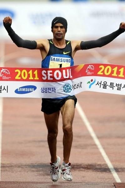 Abderrahim Goumri of Morocco takes the win in Seoul in 2:09:11 (Organisers)