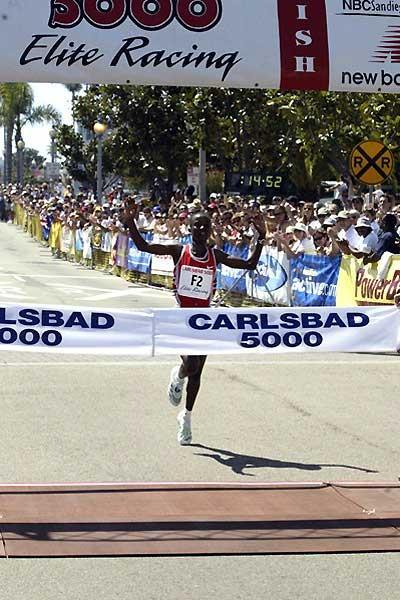 Kenya's Isabella Ochichi winning in the Carlsbad 5km (14:53). (Victah Sailer)