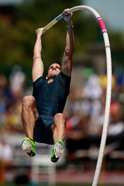 Renaud Lavillenie of France in action in the Pole Vault (Getty Images)