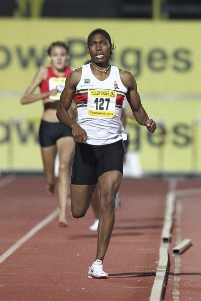 Caster Semenya goes sub-2 the women's 800m at Yellow Pages III in Pretoria (Tshwane). (Roger Sedres - Image SA)