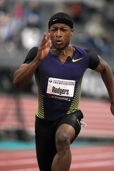 Mike Rodgers en route to his 6.48 world leader in Albuquerque (Kirby Lee)