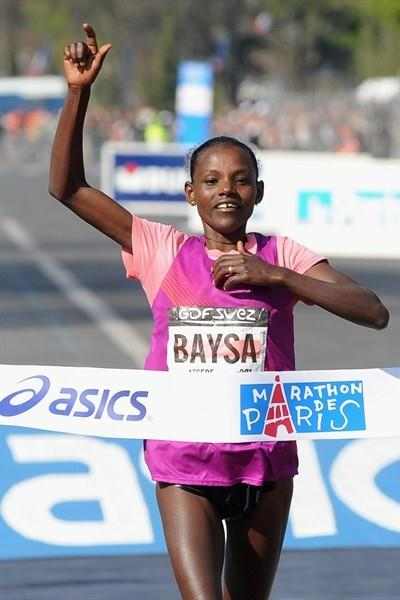 2:22:03 course record and PB for Atsede Baysa at the 2010 Paris Marathon (Getty Images)