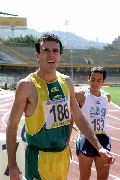 Brazilian Fabiano Peçanha (BRA) after his 800m win - South American Champs (Luis Alfonso Ramirez)