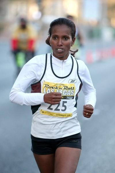 Werknesh Kidane on the way to her command performance in the Las Vegas Half (Victah Sailer)