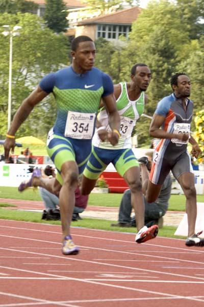 Xavier Carter wins the men's 100m in Lucerne (HP Roos)