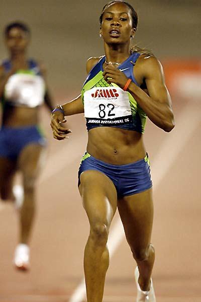 Sanya Richards completes her 49.89 sec display in Kingston (Errol Anderson - The Sporting Image)