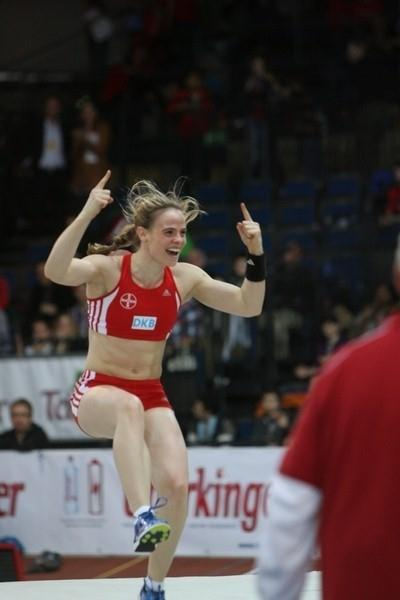 Silke Spiegelburg celebrates 4.70m at the 25th Sparkassen-Cup 2011 (organisers)