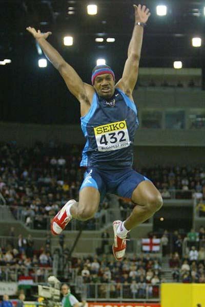 Savante Stringfellow (USA) winning the World indoor Long Jump title (Getty Images)