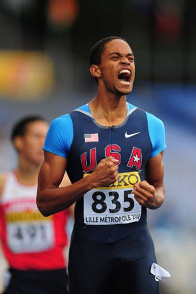 Gold medal winner Arman Hall of USA celebrates after winning the boys 400m - day three, WYC Lille 2011 (Getty Images)