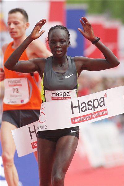 2:23:47 course record for Rael Kiyara of Kenya in Hamburg (Hamburg Organisers)