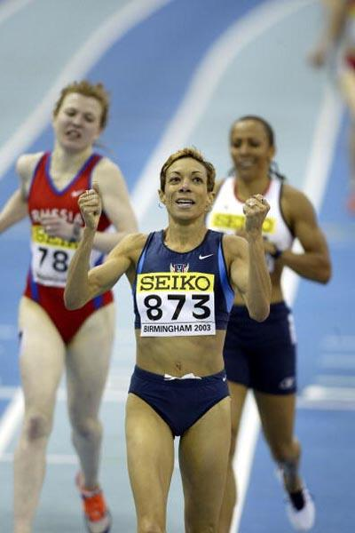 Regina Jacobs of the USA winning the women's 1500m (Getty Images)