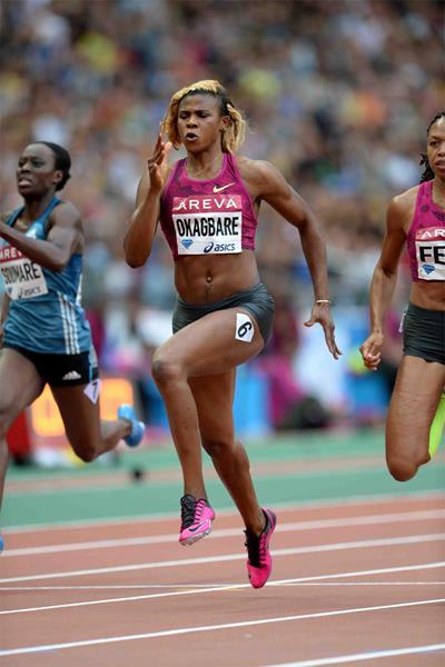 Blessing Okagbare on her way to winning the 200m at the IAAF Diamond League meeting in Paris (Jiro Mochizuki)