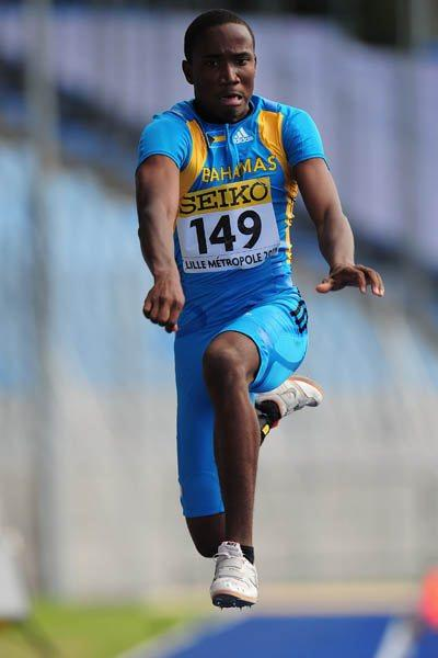 Latario Collie-Minns of Bahamas in the Boys' Triple Jump final (Getty Images)