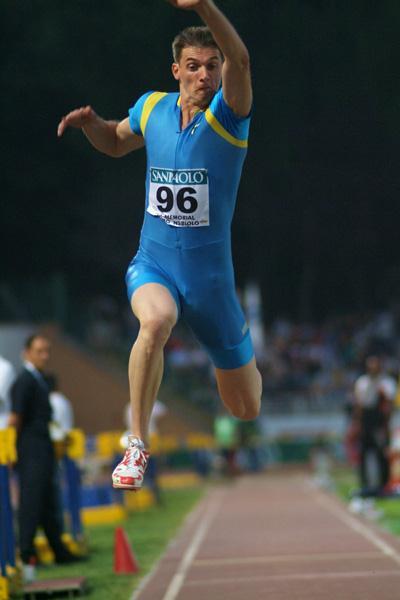 Marian Oprea of Romania wins the Triple Jump in Turin (Lorenzo Sampaolo)