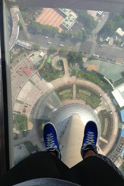 Aries Merritt at the Shanghai Pearl Tower - May 2013 (Aries Merritt)