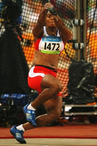 Yipsi Moreno competes in the women's hammer final, throwing 75.20m to win the silver medal (Getty Images)
