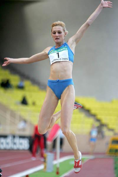 Tatyana Kotova of Russia takes the Long Jump at the World Athletics Final (Getty Images)